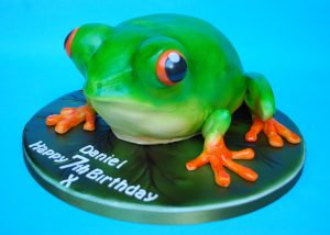 Childens-Birthday-Cake-3D-Tree-frog-300x214