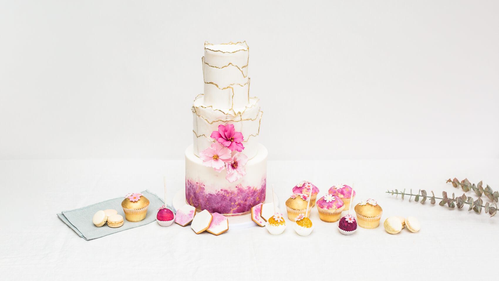 Iced Innovations Bespoke Luxury Wedding Cakes In Weybridge Surrey